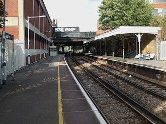 Streatham railway station - Image: Streatham station look north