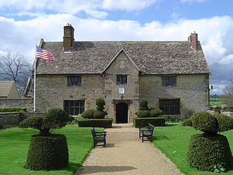 Sulgrave - Sulgrave Manor as restored. The west wing (left) is a replica built in the 1920s.
