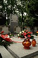 Tablica pamiątkowa przy grobach harcerek Małej Piętnastki na Starym Cmentarzu w Łodzi, 2018.jpg