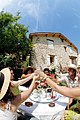 Tchin-tchin en Haute-Provence.jpg