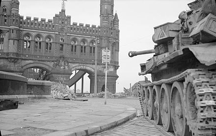 Cromwell tank of 7th Armoured Division, in position by the Neue Elbbrucke in Hamburg, 3 May 1945 The British Army in North-west Europe 1944-45 BU5077.jpg