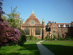 The Cavendish Building of Homerton College Cambridge, May 2011.jpg