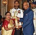 The President, Shri Ram Nath Kovind presenting the Padma Bhushan Award to Dr. (Smt.) Sharda Sinha, at the Civil Investiture Ceremony-II, at Rashtrapati Bhavan, in New Delhi on April 02, 2018.jpg