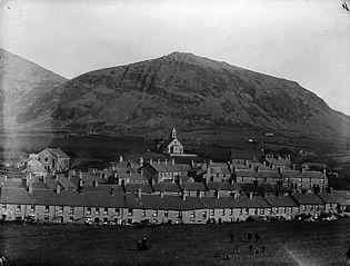 The village and churches, Trefor, Llanaelhaearn