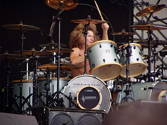 Tommy Aldridge - Aldridge performing with Thin Lizzy in 2007