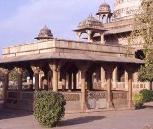 Tansen - Tansen's tomb in Gwalior, near the tomb of his Sufi master Muhammad Ghaus