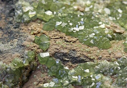 Topazolit mineralogisches museum bonn