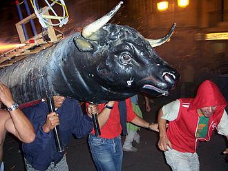 Toro de fuego - Close view of the frame, in Haro, La Rioja (Spain).