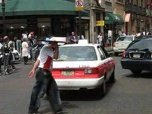 File:Traffic control in Mexico City.ogv