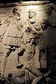 Trajan donnant le signale de départ 6.jpg