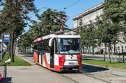 Tram LM-2008 on Moskovskiy avenue.jpg