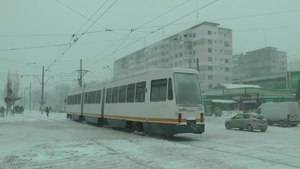 File:Tramvaie bucureștene iarna Bucharest trams in winter 2014-01-26-gTE7-T1BJMw.webm