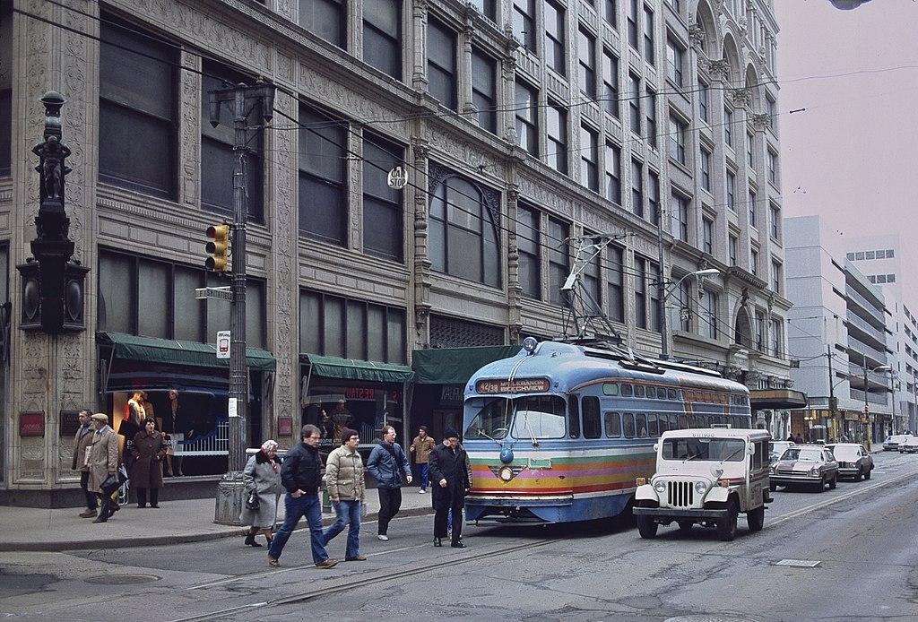 File Trolley Car Passing Downtown Pittsburgh Kaufmann S