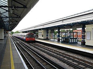 Turnham Green tube station - Image: Turnham Green tube station geograph.org.uk 899063