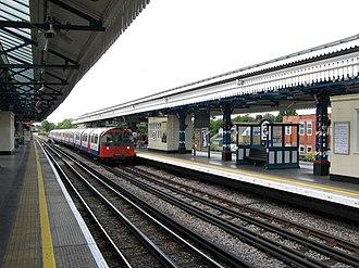 Turnham Green tube station - Image: Turnham Green tube station geograph.org.uk 899063