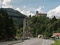 Tussen See en Pians, Schloss Wiesberg met de Trisannabrücke Dm40233 foto4 2014-07-23 16.44.jpg