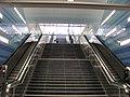 U-Bahnhof Überseequartier Eingang Strandkai Treppe.jpg