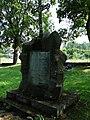 Ukmergės rusų kapinės, paminklas.JPG