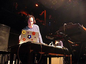 Ulrich Schnauss performing on the stage