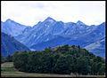 Vallée d'Aure- Guchen.- la chaîne du Lustou, vu du quartier deths capis.jpg