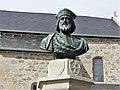 Vallière fontaine Pierre d'Aubusson buste.jpg