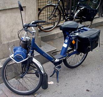 VéloSoleX - Blue 1986 VeloSolex Motobecane 3800.