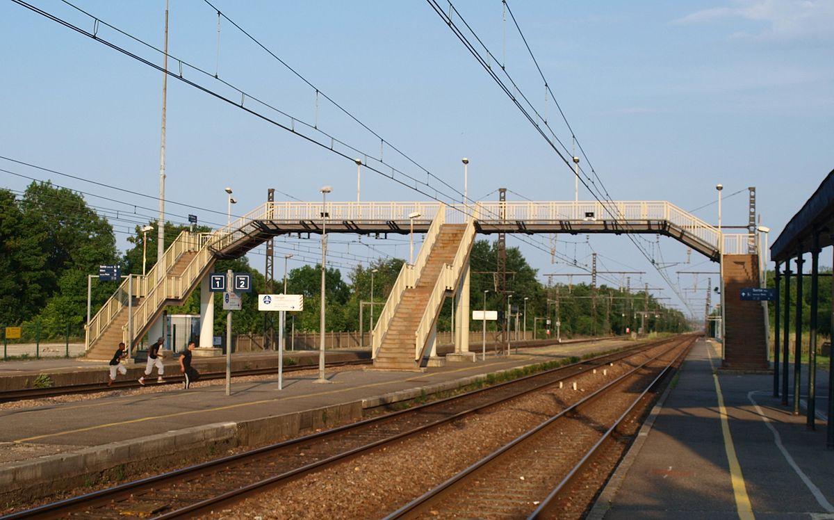 Passerelle wiktionnaire for Passerelle definition