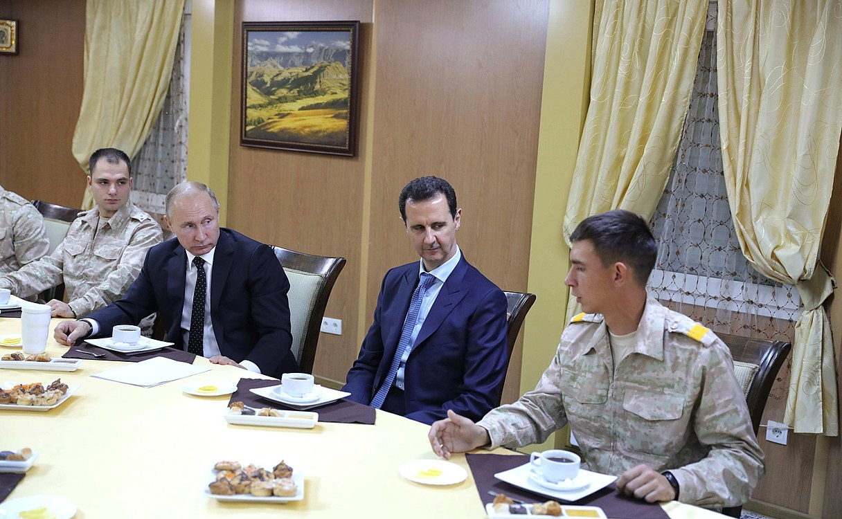 Vladimir Putin in Khmeimim Air Base in Syria (2017-12-11) 27.jpg