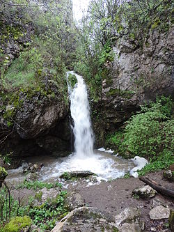 Vrabchanski waterfall 09.JPG
