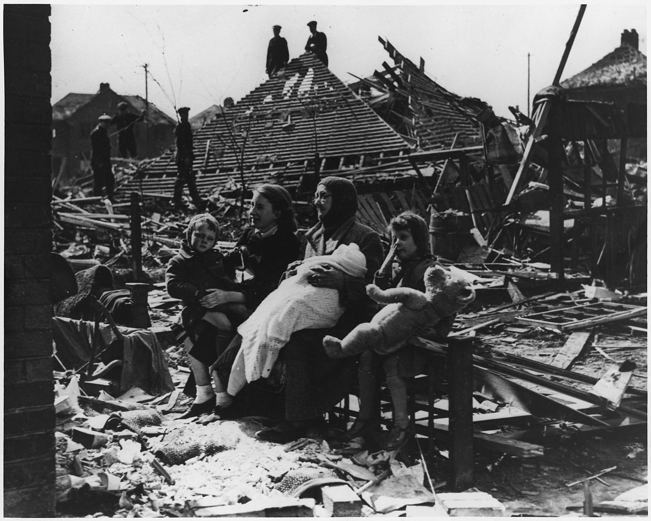 the home front during wwii essay Submit an essay ap us  in response to growing threats from the axis powers during the  the war generally was not an economic hardship on the home front.