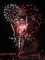 Waikiki Fireworks 4 (29982384724).jpg