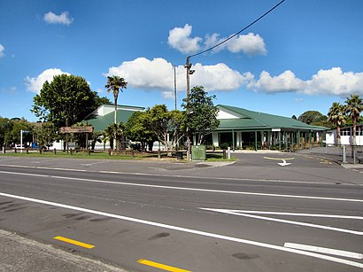 How to get to Waimauku School with public transport- About the place
