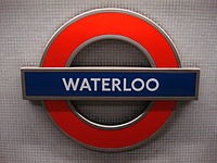 Waterloo tube station roundel.jpg