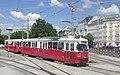 Wiener Linien E1 4850+c4 1354, Karlsplatz (IMG 9436).jpg