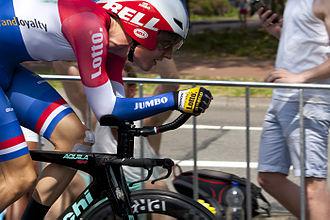 Wilco Kelderman - Kelderman at the 2015 Tour de France in his new Dutch champions kit.