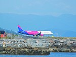 Wizz Air A321 in Molde.jpg