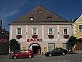 Wohn- und Geschäftshaus Rathausplatz 9 in Weitra.jpg