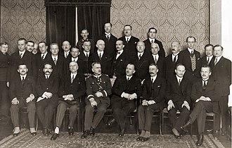 Felicjan Sławoj Składkowski - Official meeting of voivodes in 1929. Składkowski is sitting next to Kazimierz Bartel in the centre.