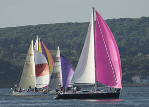 Round the Island Race - Image: Yachts racing during Round the Island Race 2010