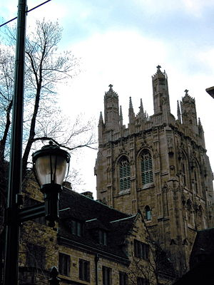 A view of the buildings around Yale University...