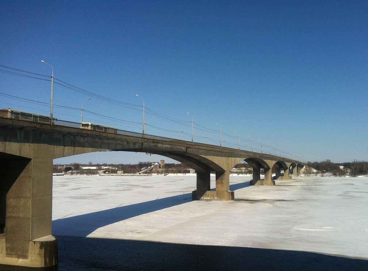 Висячий мост в ярославле фото 703-816