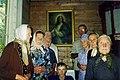 Апошнія жыхары Вяты ў капліцы. 2002 г.jpg