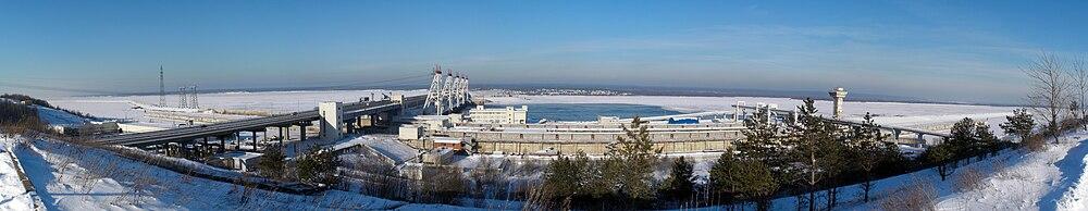 Вид на Чебоксарскую ГЭС.
