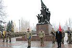 У Миколаєві 120 військовослужбовців склали клятву морського піхотинця та отримали чорні берети (22846708918).jpg