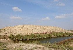 تپه های باستانی انوشیروان در ترکمن صحرا.jpg