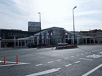 西条駅北口広場と入口.JPG