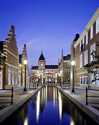 009 9861 Molengracht Exterior Nightshot Canal ppt.jpg