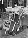 14 jarige Carol Fenn in Londen, Bestanddeelnr 908-5361.jpg