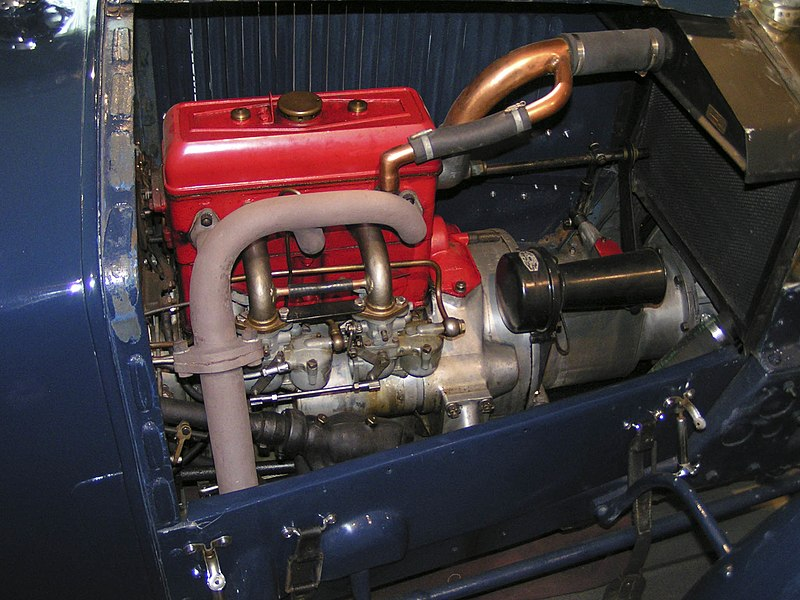 File:1929TractaA-engine.jpg