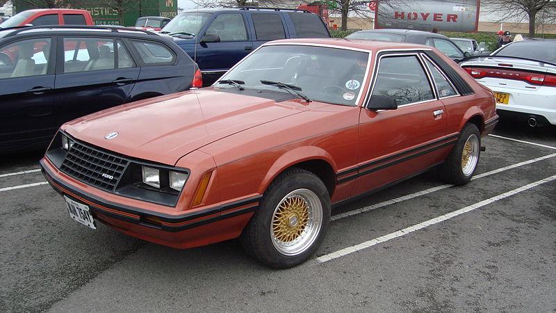 File:1982 Ford Mustang 3.3 GL (13667933095).jpg